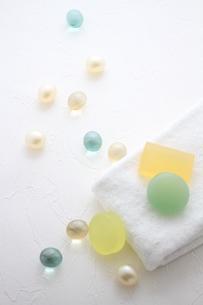タオルと石鹸とバスキューブの素材 [FYI01037946]