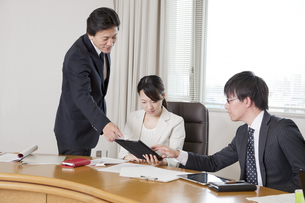 ビジネスミーティングの素材 [FYI01042543]