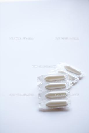 白い座薬の素材 [FYI01044203]