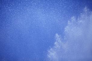 消防の放水ホースから出た水の素材 [FYI01044228]