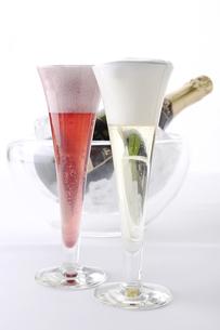 2種のスパークリングワインの素材 [FYI01045465]