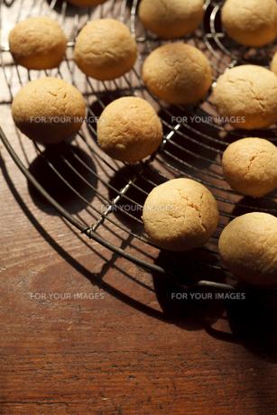 手づくりの素朴なクッキーの素材 [FYI01048213]
