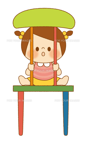 椅子の間からのぞく女の子の素材 [FYI01053096]