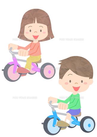 三輪車に乗る男の子と女の子の素材 [FYI01060001]