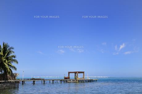 桟橋と海と青空の素材 [FYI01061091]