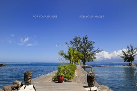 桟橋と海と青空の素材 [FYI01061109]