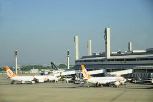 リオデジャネイロ国際空港の飛行機の素材 [FYI01062049]