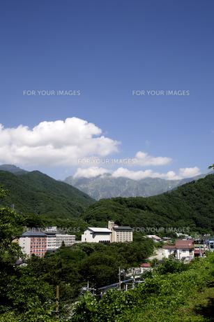 水上温泉から見た谷川岳の素材 [FYI01065588]