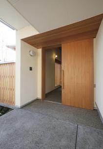住宅の玄関口の素材 [FYI01066115]