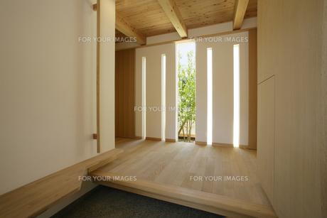 住宅の玄関の素材 [FYI01066143]