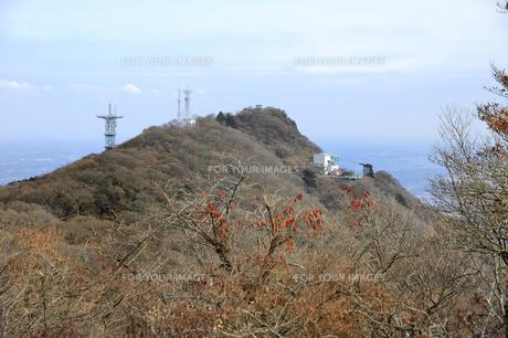 筑波山男体山より女体山を見るの素材 [FYI01072274]