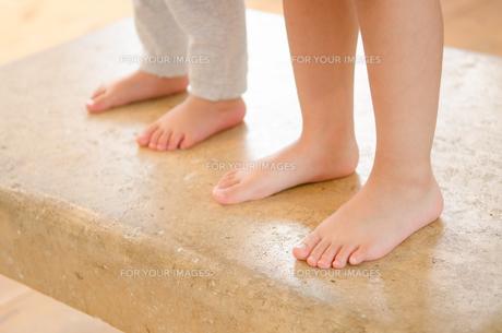 子供たちの足の素材 [FYI01077571]