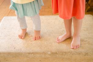 子供たちの足の素材 [FYI01077650]