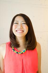 笑顔の女性の素材 [FYI01077682]