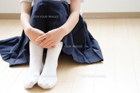 制服姿の女子学生の下半身の素材 [FYI01077739]