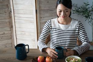 朝食風景と女性の素材 [FYI01078545]