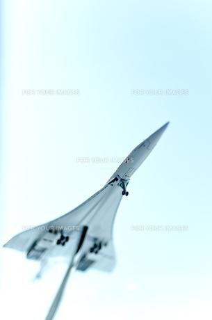 ミニチュア飛行機縦位置の素材 [FYI01079186]