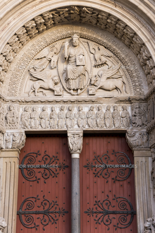 アルル サン・トロフィーム教会の入り口の素材 [FYI01080038]