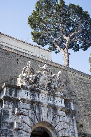 ヴァチカン美術館出口の彫像の素材 [FYI01080259]