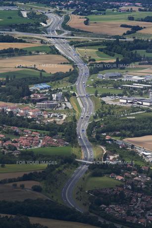 スイスジュネーブ近郊 サレブ山頂からの高速道路の素材 [FYI01082171]