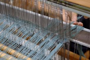 機織り作業の素材 [FYI01109111]