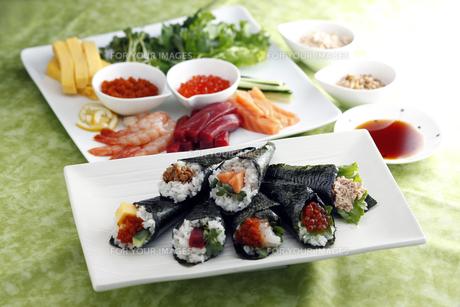 手巻き寿司の素材 [FYI01111632]