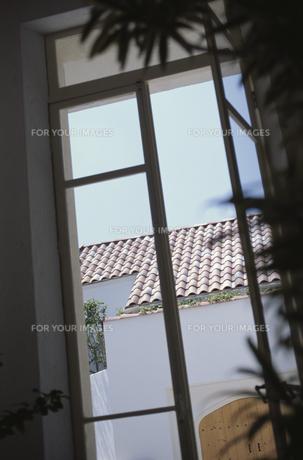 窓から見た風景の素材 [FYI01121605]
