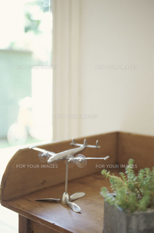 飛行機のオブジェの素材 [FYI01122503]