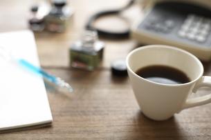 コーヒーとレターセット 電話の素材 [FYI01123727]