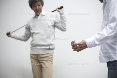 ゴルフクラブを持った男性の2人の素材 [FYI01123783]