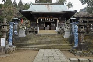 3月春 有田焼の陶器神社の素材 [FYI01129690]