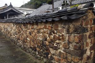 3月春 有田焼のトンバイ塀の素材 [FYI01129771]