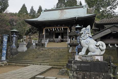 3月春 有田焼の陶器神社の素材 [FYI01129845]