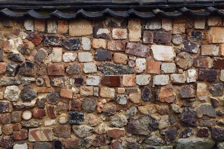 3月春 有田焼のトンバイ塀の素材 [FYI01129867]