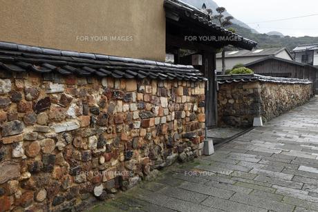 3月春 有田焼のトンバイ塀の素材 [FYI01129905]