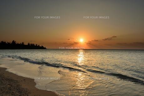 日の入りの写真素材 [FYI01132233]