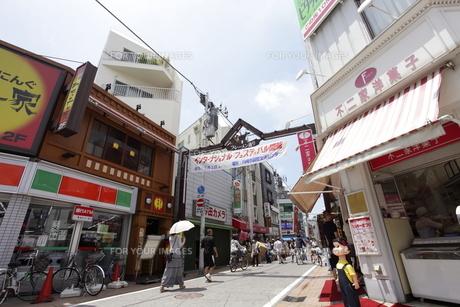 元住吉駅ブレーメン通り商店街の素材 [FYI01132757]