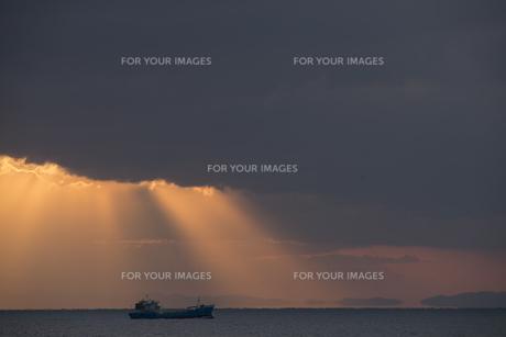 浮島現象と貨物船の素材 [FYI01135328]