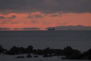 浮島現象と貨物船の素材 [FYI01135332]