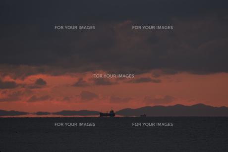 浮島現象と貨物船の素材 [FYI01135428]