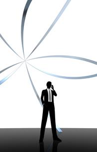シルエット人物のビジネスイメージとリングの素材 [FYI01135909]