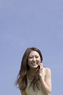笑顔の女性の素材 [FYI01143481]