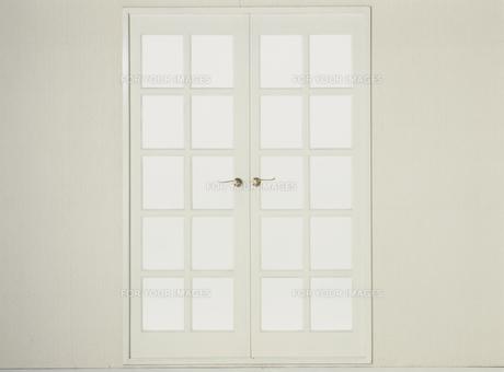 白い窓の素材 [FYI01144427]