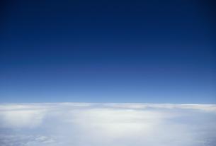 機上から見た雲海と空の素材 [FYI01146030]