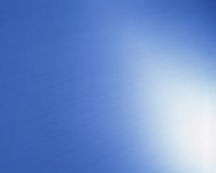 青く光るステンレスの表面の素材 [FYI01146070]