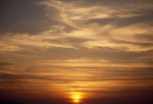 夕景の雲の素材 [FYI01146074]