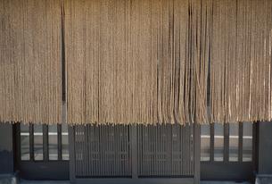 すだれ暖簾と格子の素材 [FYI01146120]