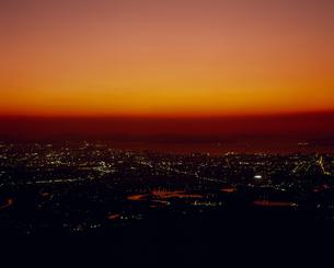夕焼けの街の素材 [FYI01146269]