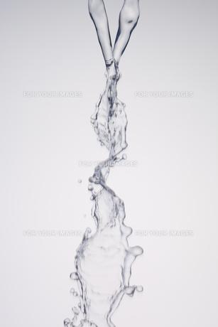 交差する水の素材 [FYI01146713]