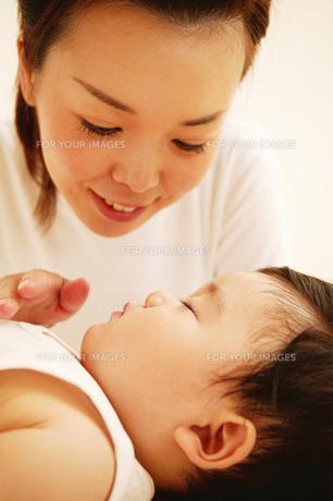 ママと赤ちゃんの素材 [FYI01152836]